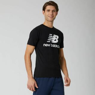 Camiseta New Balance essentials stacked logo